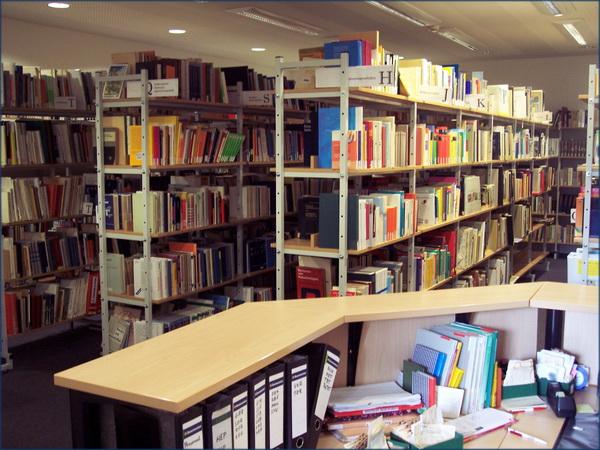 103 Bibliothek